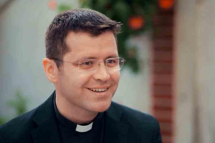 """""""Să nu port mască şi să spun că Dumnezeu mă protejează - Este ca şi cum îl ispitesc pe Dumnezeu"""" - Preot Francisc Doboș"""