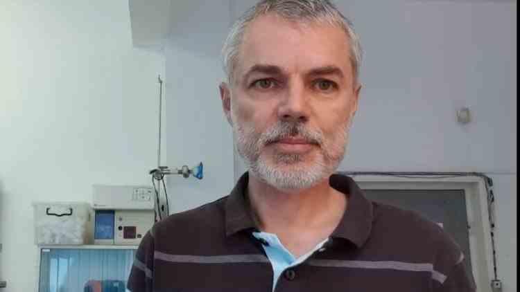 """""""Şcolile ar trebui să fie deschise iar adulţii tulburaţi ar trebui readuşi la realitate prin sancţiuni severe"""" - Dr Mihai Craiu"""