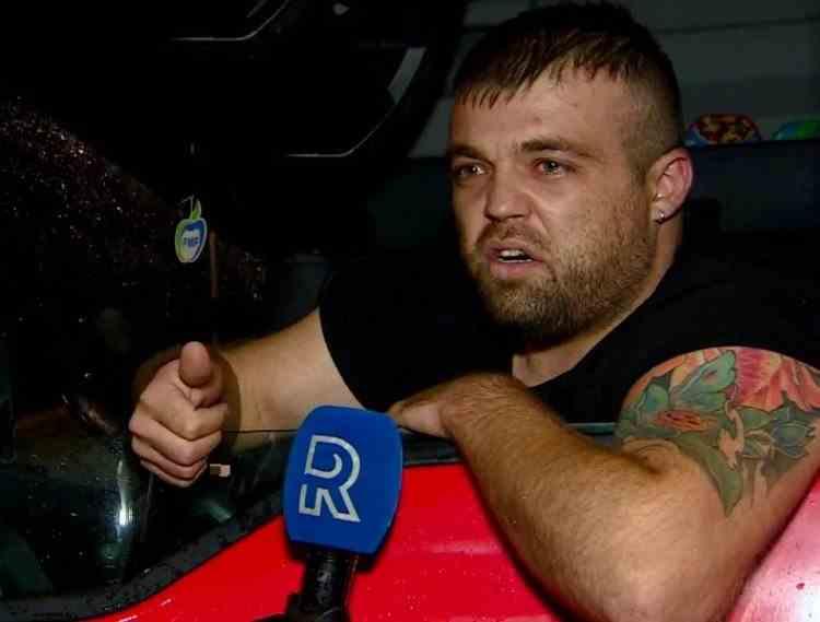 """""""Au închis tot. Stai în siguranță, stai murdar!"""" - Șofer de TIR român, supărat că nu mai are unde să facă un duș în Olanda"""