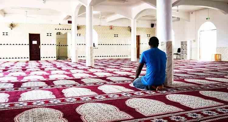 Teroriștii nu sunt musulmani, sunt nebuni - Musulmanii din Franța se tem de consecințe după atacul de la Nisa