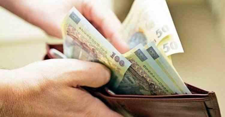 Salariile bugetarilor vor fi în 2021 cu 40% mai mari decât ale angajaților de la privat