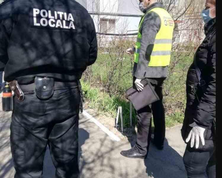 Polițiștii locali din Focșani au verificat acasă o persoană decedată de COVID cu două zile în urmă