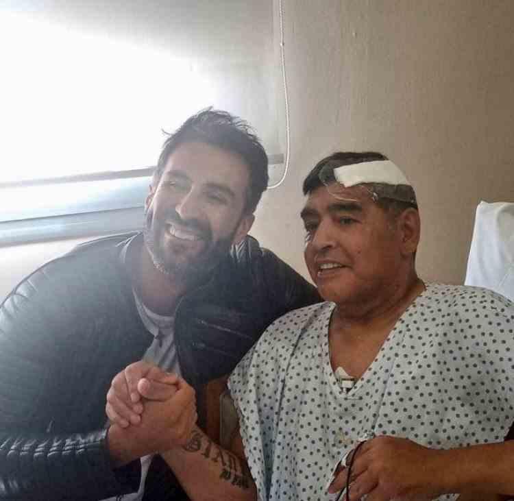 Maradona a fost externat - Fostul fotbalist a fost operat pe creier