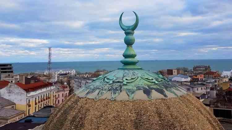Slujbele din interiorul moscheilor au fost suspendate în Constanța