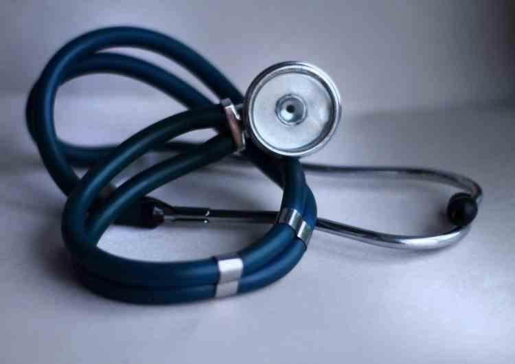 Poliţia a arestat un medic suspectat de uciderea unor pacienţi infectați cu SARS-CoV-2