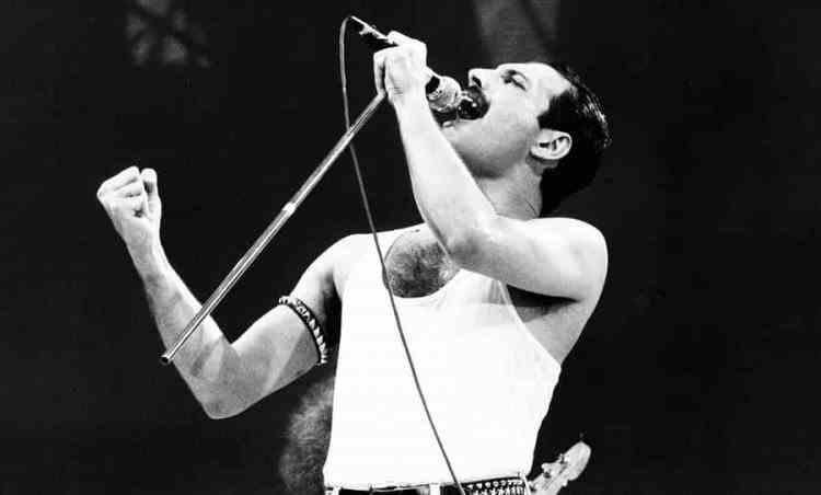 Freddie Mercury continuă să trimită cadouri de Crăciun prietenilor chiar și la 29 de ani de la dispariția sa
