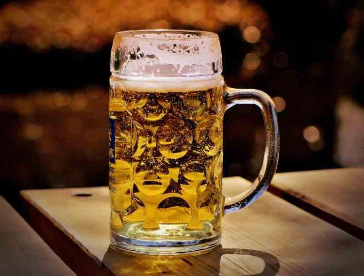 Clientul unui bar a lăsat un bacșiș de 3000 de dolari pentru o bere