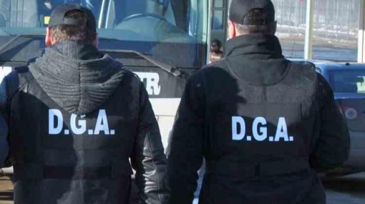 Ofițerul DGA care ar fi acoperit ilegalitățile fabricii de permise auto din Suceava a fost reținut de procurori
