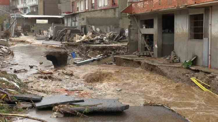 Coșmar în Italia - Cel puțin trei morți în urma inundațiilor din Sardinia