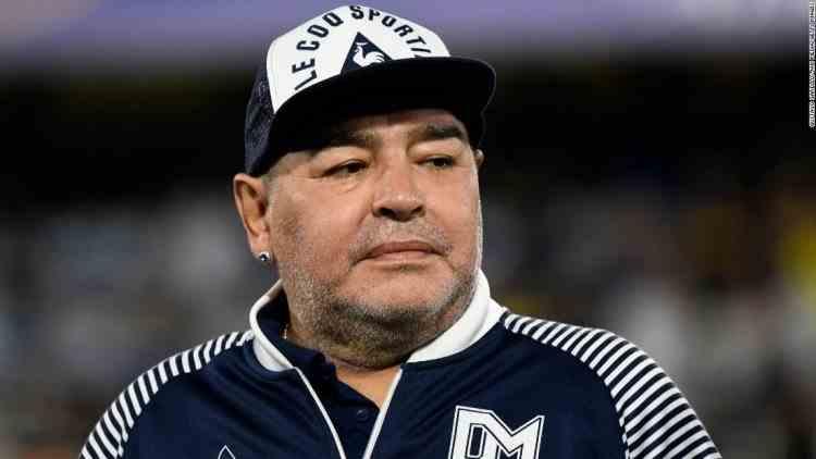 Percheziții acasă și la clinica medicului care l-a operat pe Maradona