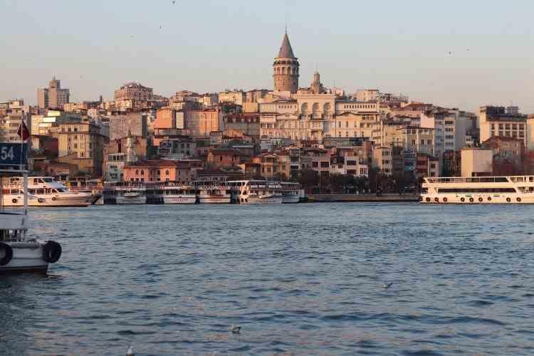 Carantină de noapte și de weekend - Turcia anunță noi restricții în urma creșterii numărului cazurilor de COVID-19