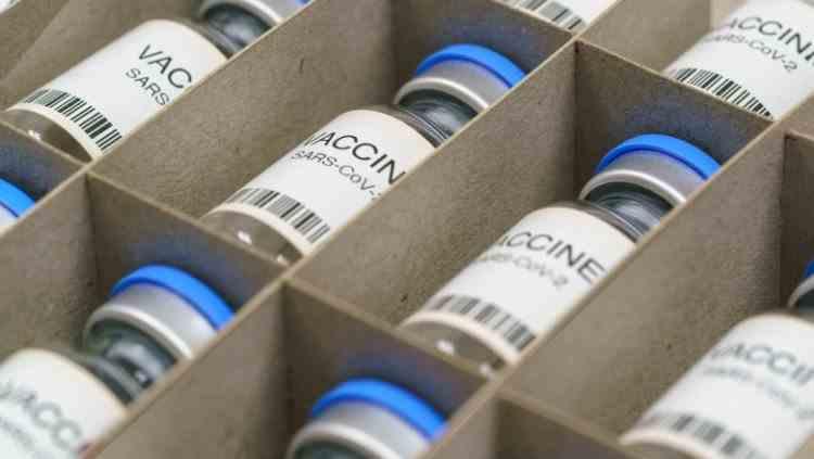 Avertisment Interpol - Crima organizată va încerca să vândă vaccinuri anti-COVID-19 contrafăcute