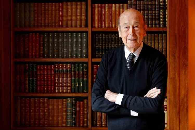 A murit  Valery Giscard d'Estaing, fostul președinte al Franței