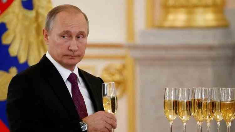 Rușii care se vaccinează cu Sputnik V nu vor avea voie să consume alcool timp de două luni