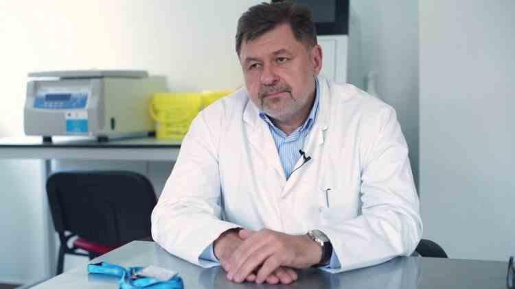 Medicul Alexandru Rafila se află în izolare după ce soția sa a fost confirmată cu SARS-CoV-2