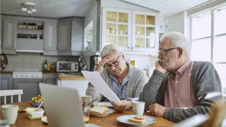 Se extind categoriile de persoane care se pot pensiona mai devreme