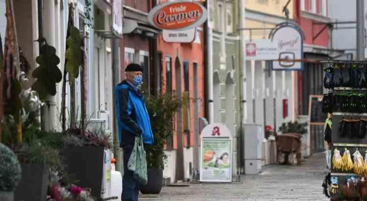 Restricții dure în Germania - Școlile și aproape toate magazinele ar putea fi închise până în 10 ianuarie