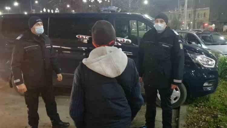 Jandarmii au găsit într-un bar din Arad un bărbat care trebuia să stea în carantină