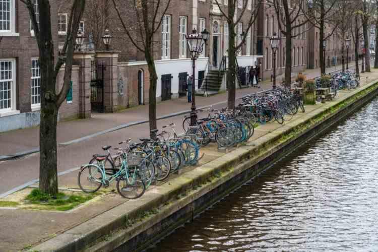 Olanda intră în carantină pentru cinci săptămâni