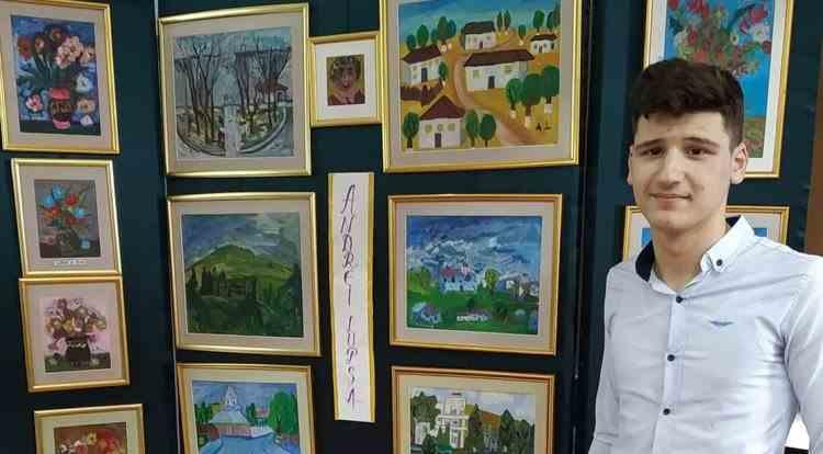Un tânăr abandonat de părinți își vinde tablourile pentru a-și cumpăra haine și încălțăminte de iarnă