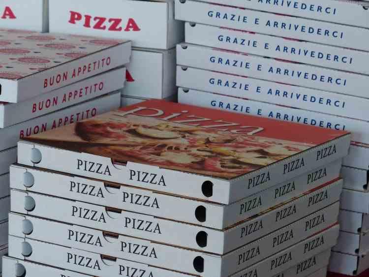 Captură uriașă de droguri găsită de polițiști în mai multe cutii de pizza