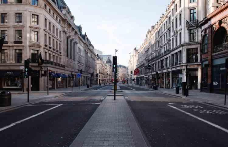 Marea Britanie ar putea prelungi carantina totală până în luna martie