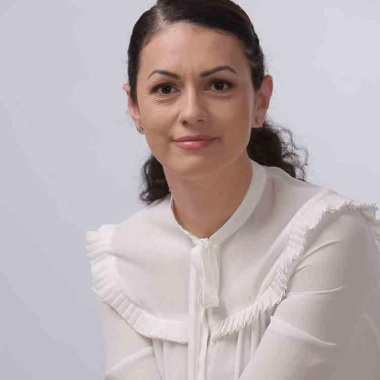A murit jurnalista Iuliana Roibu