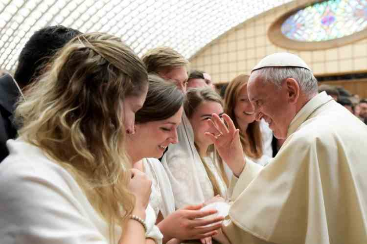 Cum a schimbat Papa Francisc Legea Bisericii Romano Catolice în favoarea femeilor
