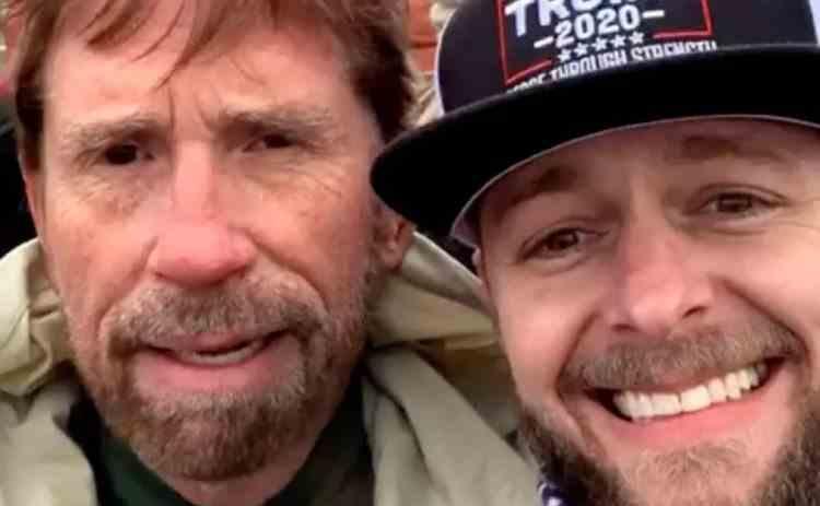 Chuck Norris a fost nevoit să nege că a participat la asaltul asupra Capitoliului