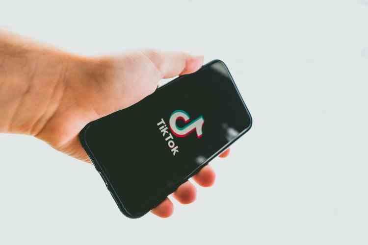 TikTok va face o serie de schimbări pe platformă pentru protejarea utilizatorilor sub 16 ani