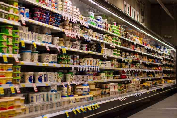 Cu cât s-au scumpit sau ieftinit produsele după ce rata inflației a scăzut în decembrie