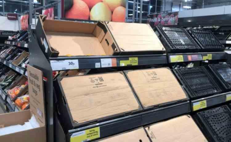 Efectele Brexit - Rafturi goale în supermarketurile din Marea Britanie