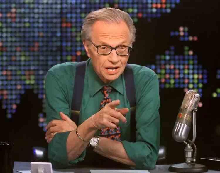 A murit legendarul om de televiziune Larry King