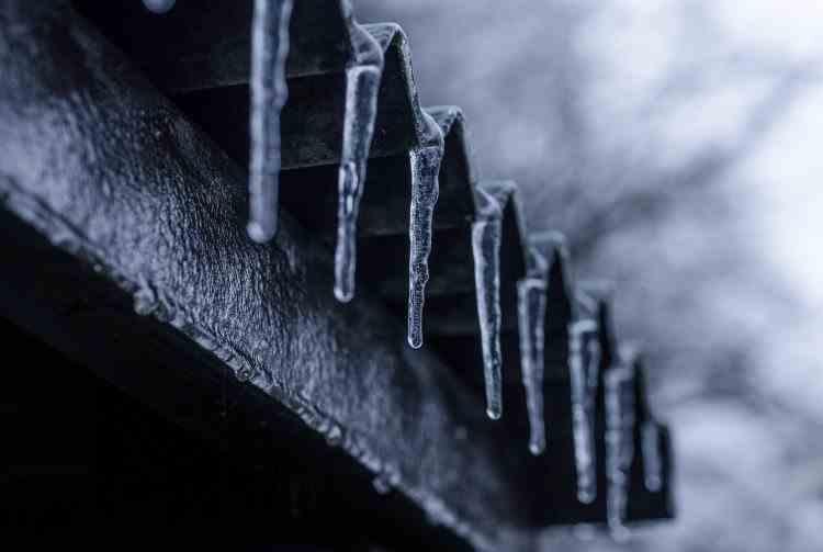 Avertizare ANM - Polei, lapoviță și ninsoare pentru aproape toată țara, începând de vineri