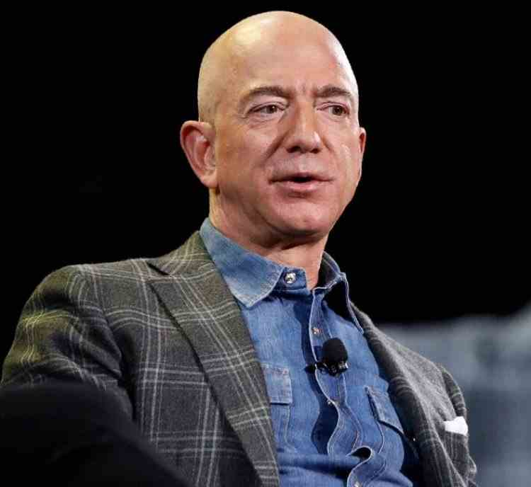 Jeff Bezos a renunțat la funcția de CEO al companiei Amazon