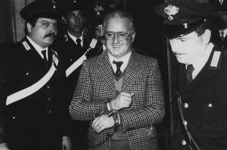 A murit Raffaele Cutolo, șeful mafiei napoletane și fondatorul organizației Nuova Camorra