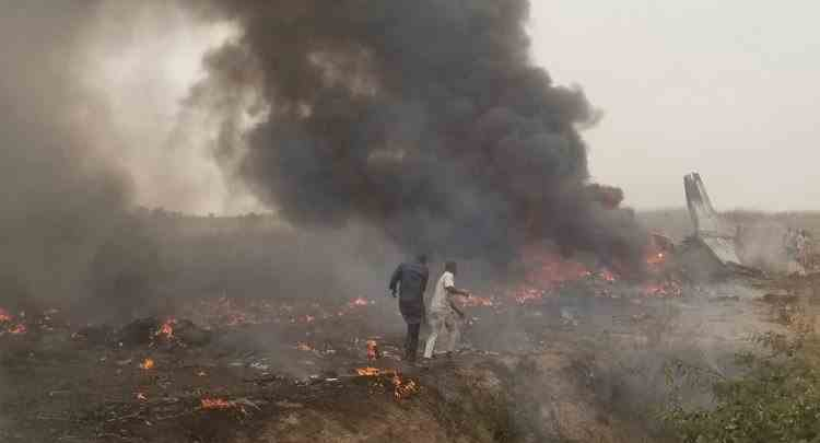 Un avion militar s-a prăbușit în Nigeria - Toți pasagerii au murit