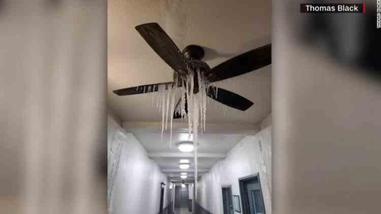 Mai mulți americani au murit de frig în case după ce au rămas fără electricitate