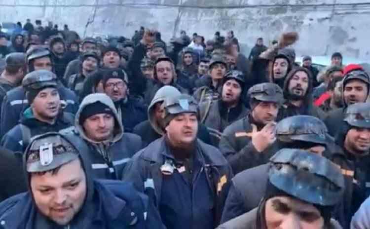 Minerii din Valea Jiului vor primi banii restanți pentru bonurile de masă și alte sporuri