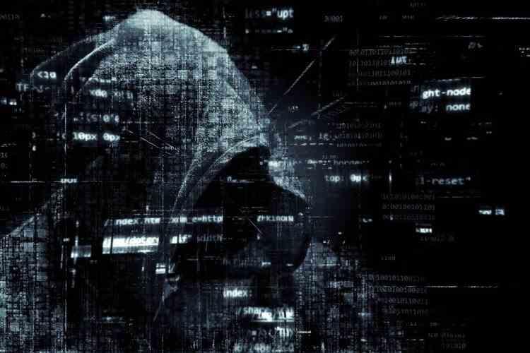 Clienţii celor mai mari bănci din România riscă să rămână fără bani în cont, din cauza hackerilor