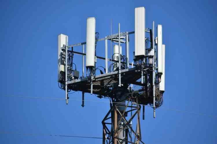 Aproape jumătate dintre români cred că tehnologia 5G este nocivă - Ce arată raportul autorităților