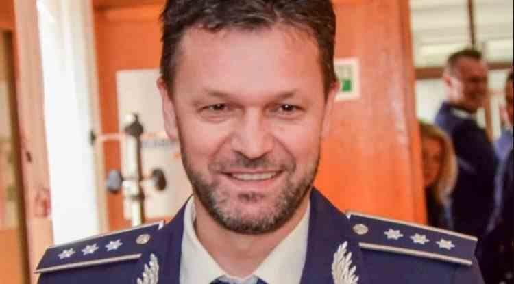 Un comandant de Poliție a convins un bărbat să nu se sinucidă, după ce a citit pe Facebook că acesta vrea să arunce casa în aer