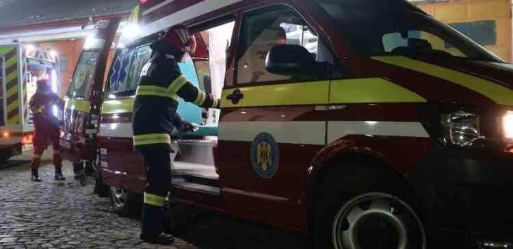 Accident cu șase victime în județul Brașov - Două mașini s-au ciocnit frontal