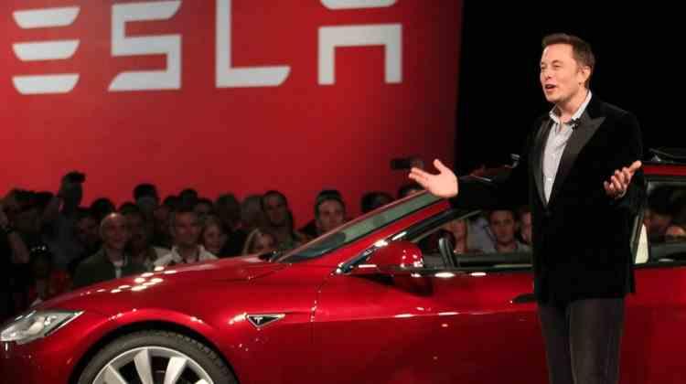 Elon Musk a fost dat în judecată de un acționar Tesla, din cauza postărilor necontrolate de pe Twitter
