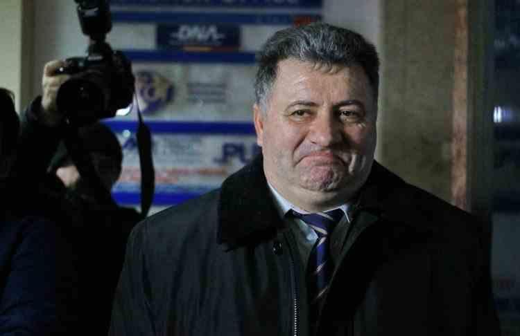 Fostul șef al IPJ Timiș a fost condamnat la închisoare după ce a primit mită de la liderul unui clan de romi