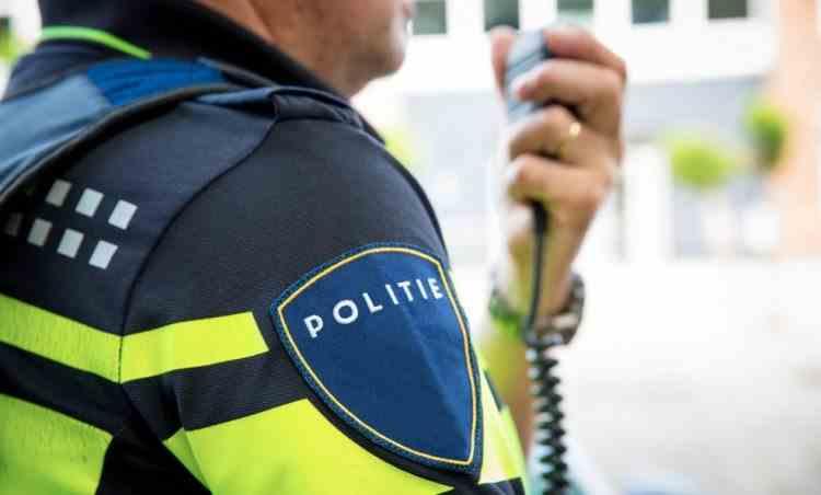 Un polițist din Olanda a pierdut trei lăzi cu arme