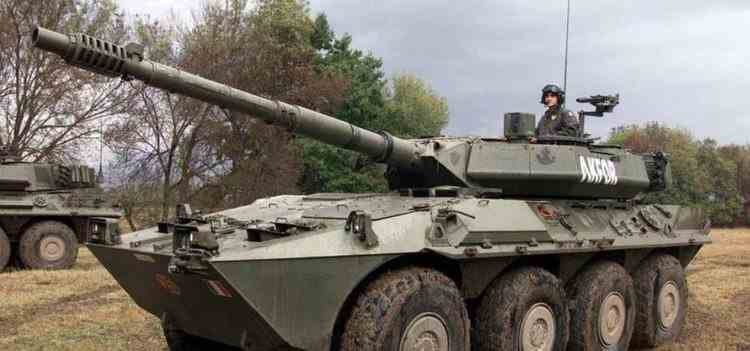 Un tanc a masacrat găinile unei ferme din Italia după ce a deschis focul accidental în timpul unui antrenament