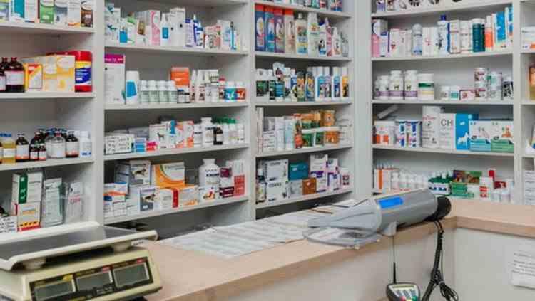 Doi farmaciști au fost condamnați după ce au folosit buletinele pacienților pentru a paria la jocuri de noroc