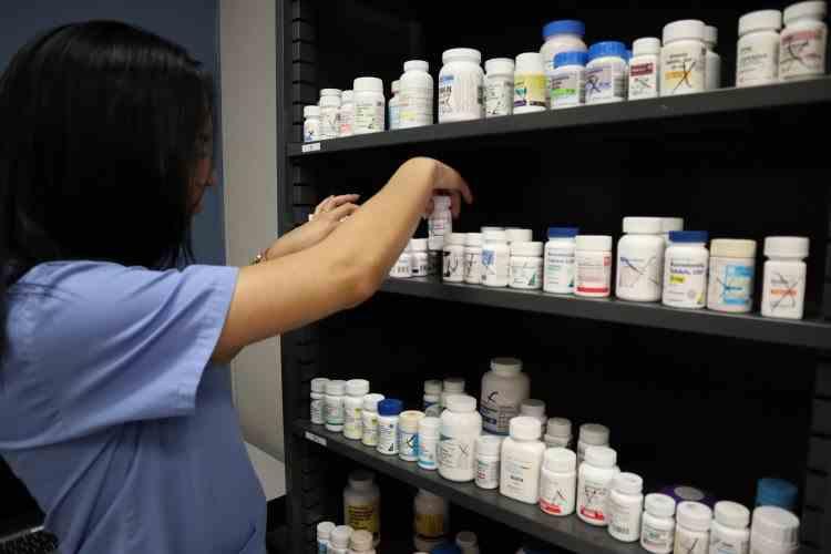 Medicamentele prescrise vor putea fi ridicate de la orice farmacie, începând cu 1 aprilie