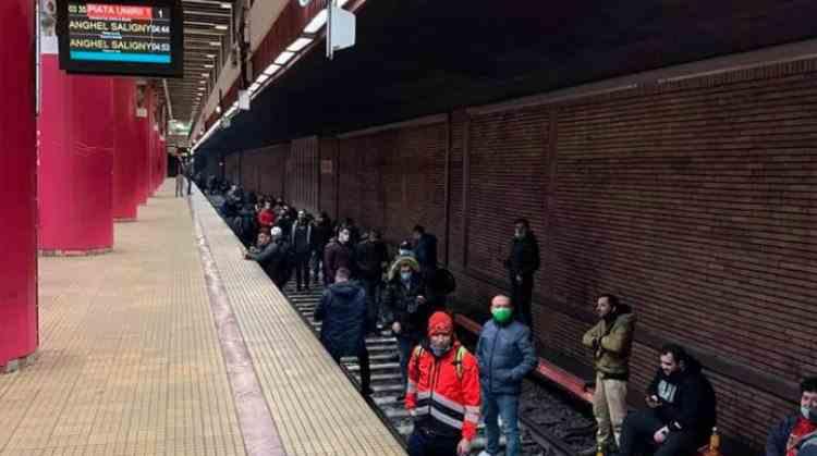 Ministrul Transporturilor, despre Metrorex: Se vor face concedieri sau se va cere insolvenţa